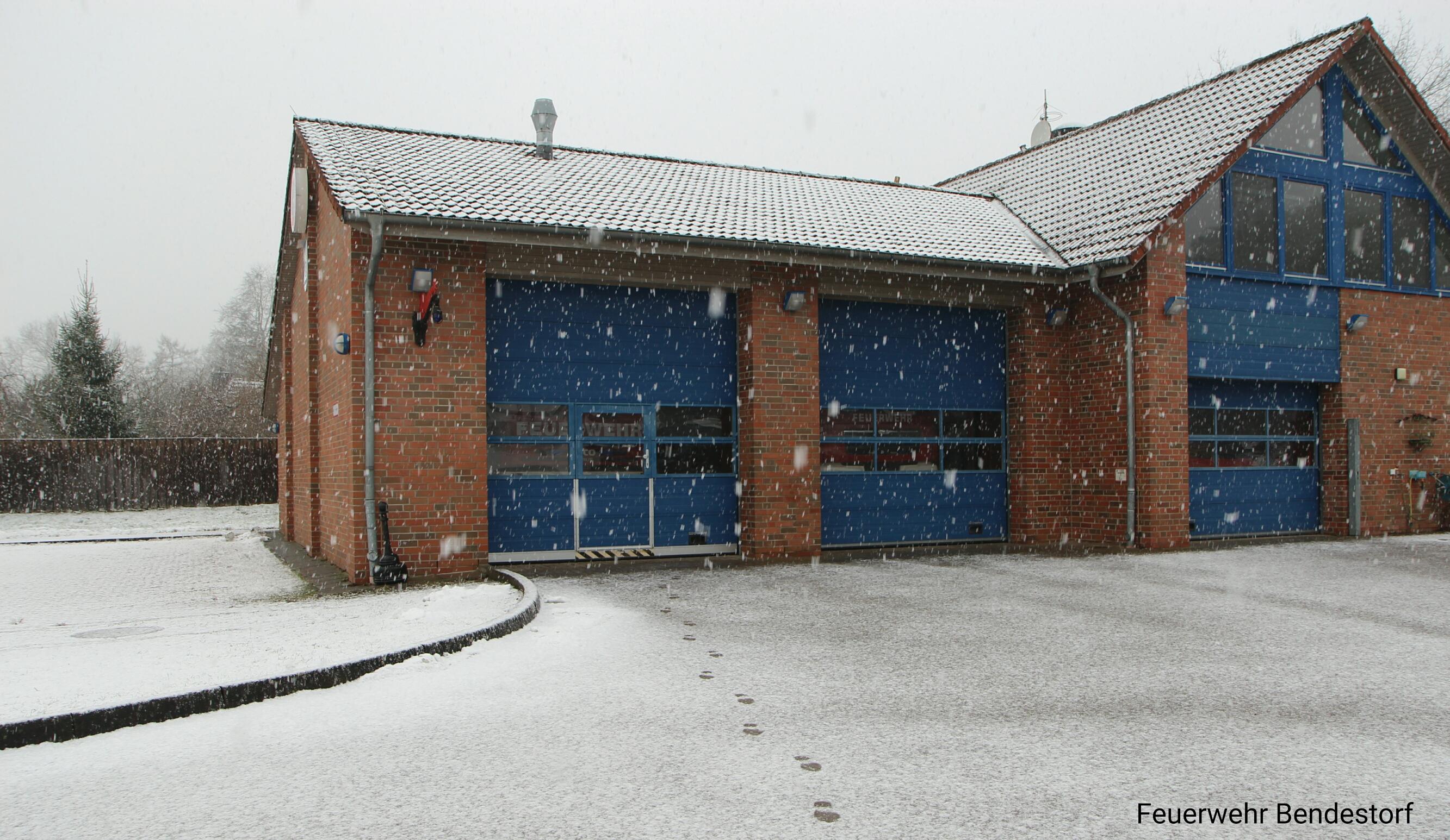 Gerätehaus_Schnee